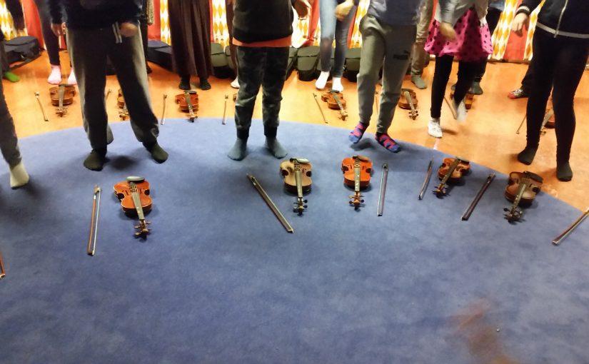 Femåringarna möter Musikskolan