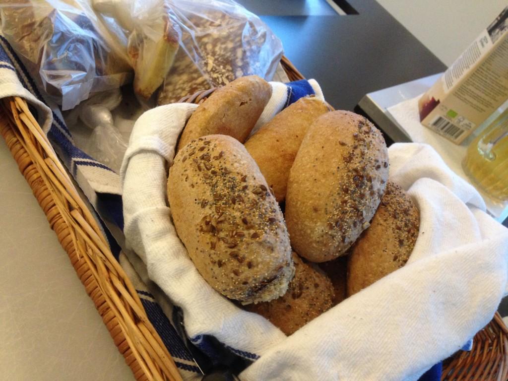 frukostbröd med grahamsmjöl och fröblandning