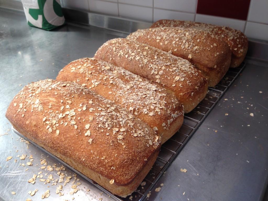 bröd på havregrynsgröt