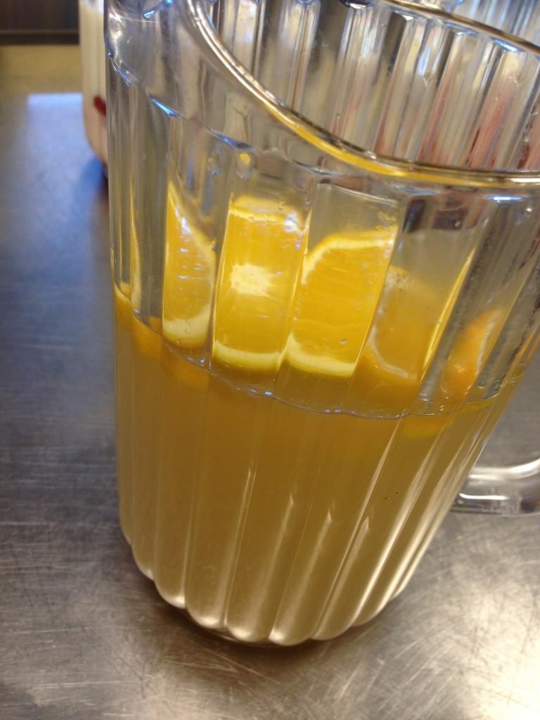 äpple, päron, apelsin, ingefära och kanel