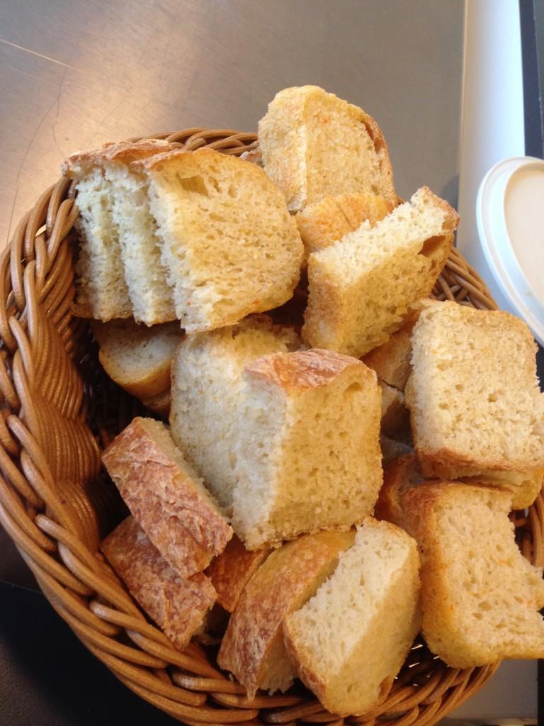 bröd bakad på gröt samt pumpa, potatis och morotsmos