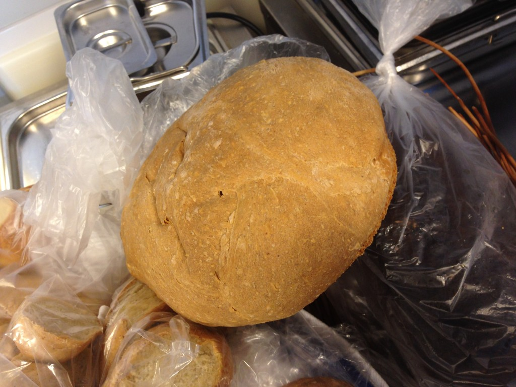 bröd bakat på grhamsgröt, havregyn och rågsikt