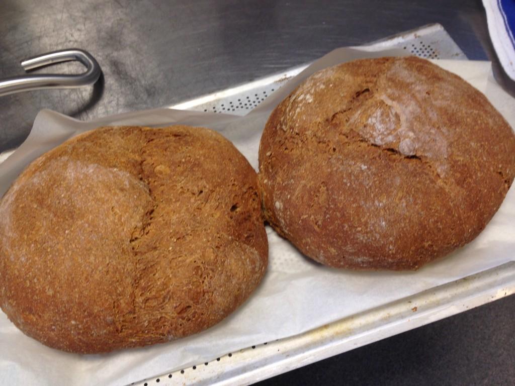 bröd på havregrynsgröt och rågmjöl