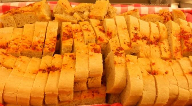 Brödbak i skogen och lunchbröd