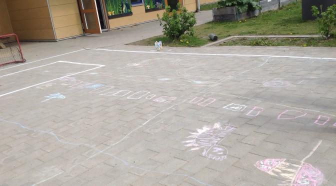 Super Mario-bana på förskolegården