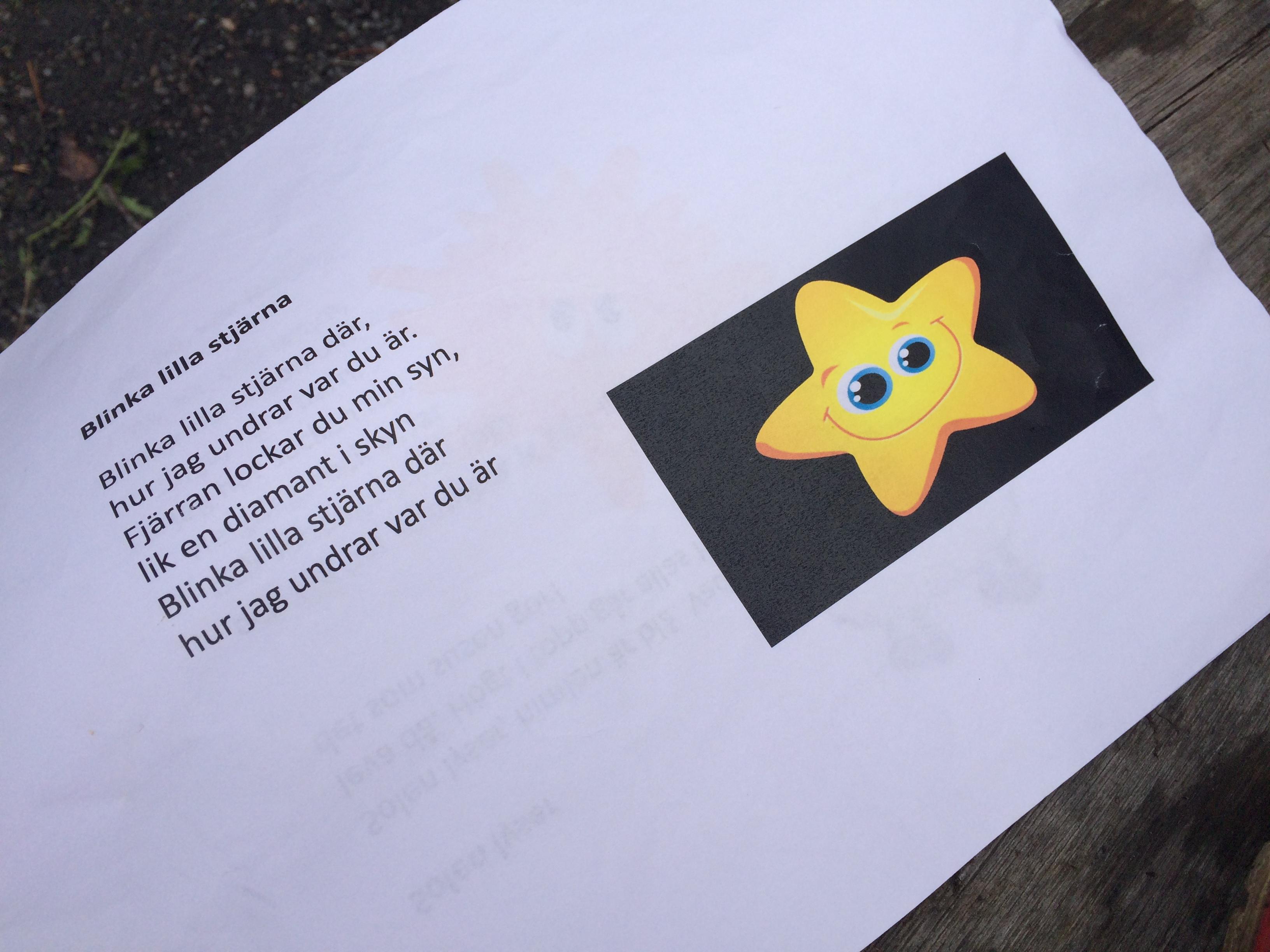 blinka lilla stjärna där på engelska text