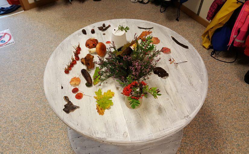 Röda skapar årstidsbord och sopsamlarmonster