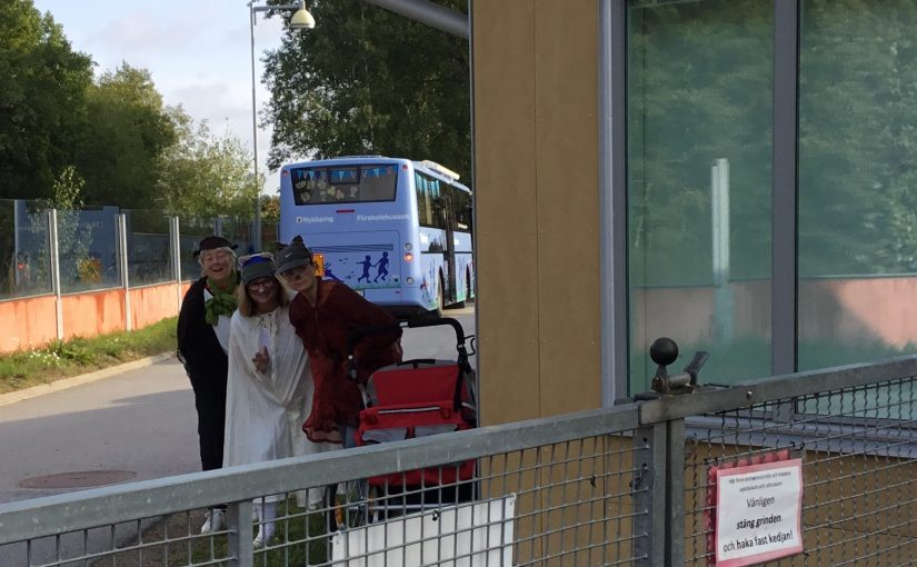 I en buss från Uppsala kom…