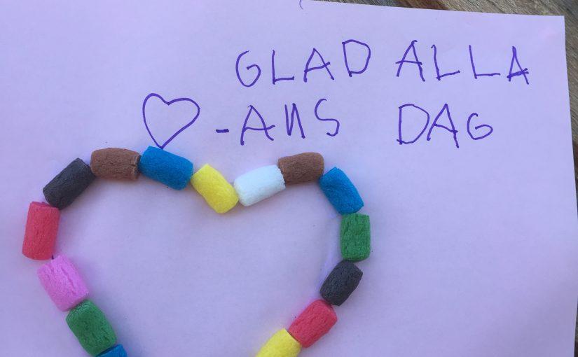 """""""HJÄRTAN BETYDER ATT MAN TYCKER OM"""" svarade ett barn när vi frågade varför det finns en dag som heter alla hjärtans dag."""