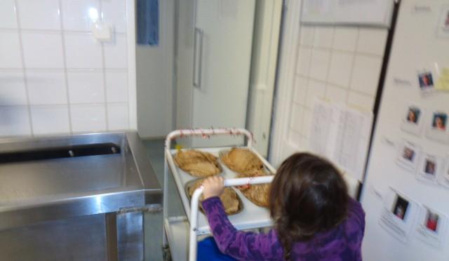 Köksnissar hjälper till!