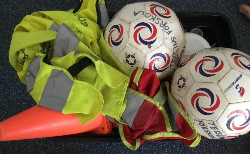 Fotbollsmatch och avslutningslunch