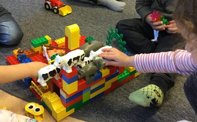 Fantiserar, skapar och bygger
